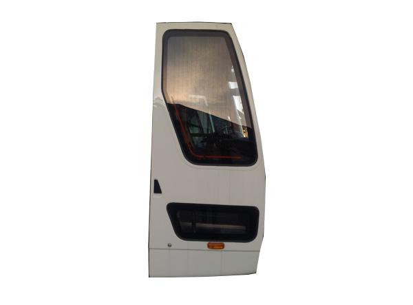 Передняя пассажирская дверь
