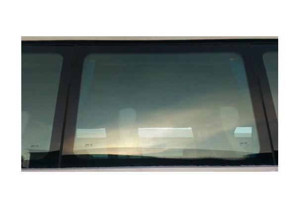 Стеклопакет боковой правый над пассажирской дверью